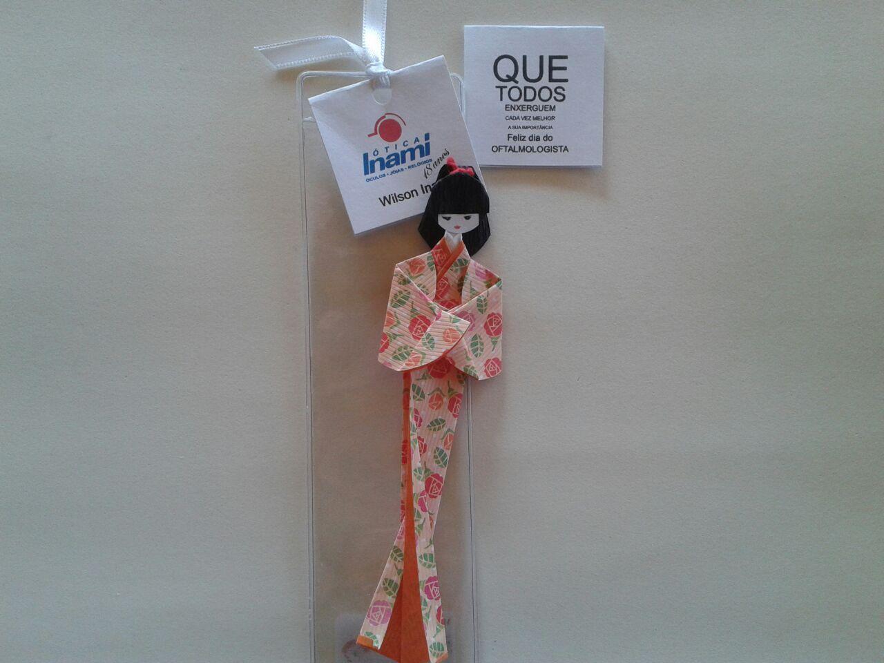 fb438348bbee6 Marcador de páginas Gueixa em origami - Otica Inami   Brindes ...