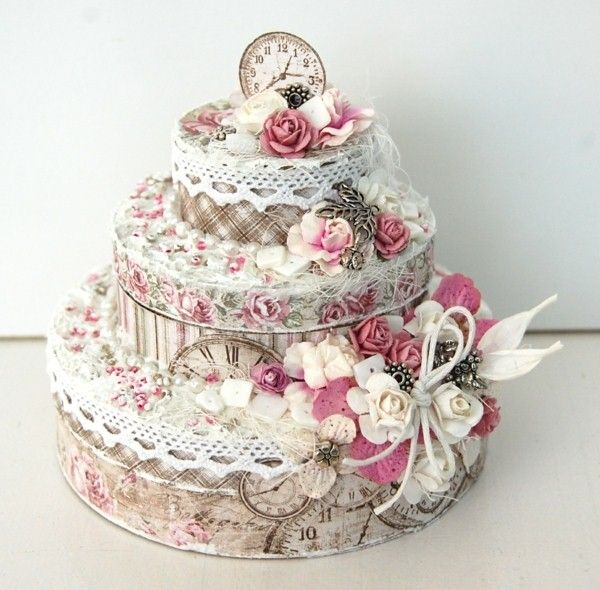 gâteau d'anniversaire réveil de style vintage   gâteaux shabby