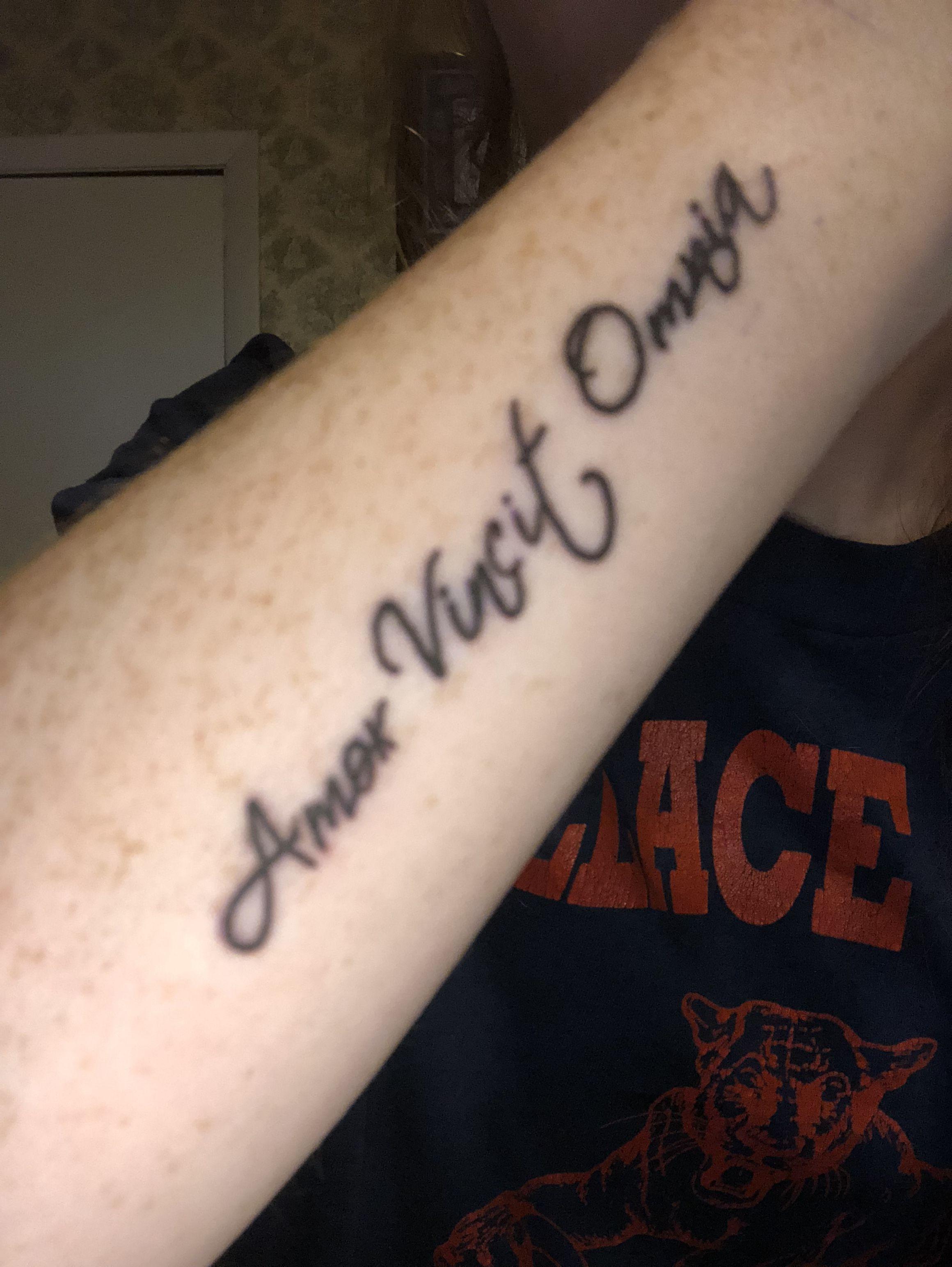 Amor Vincit Omnia Latin Qoutes Tattoo Tattooidea Tattoos