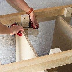 les tapes de fabrication d 39 tag res en bois et d 39 un tabli sur mesure et faire soi m me pour. Black Bedroom Furniture Sets. Home Design Ideas