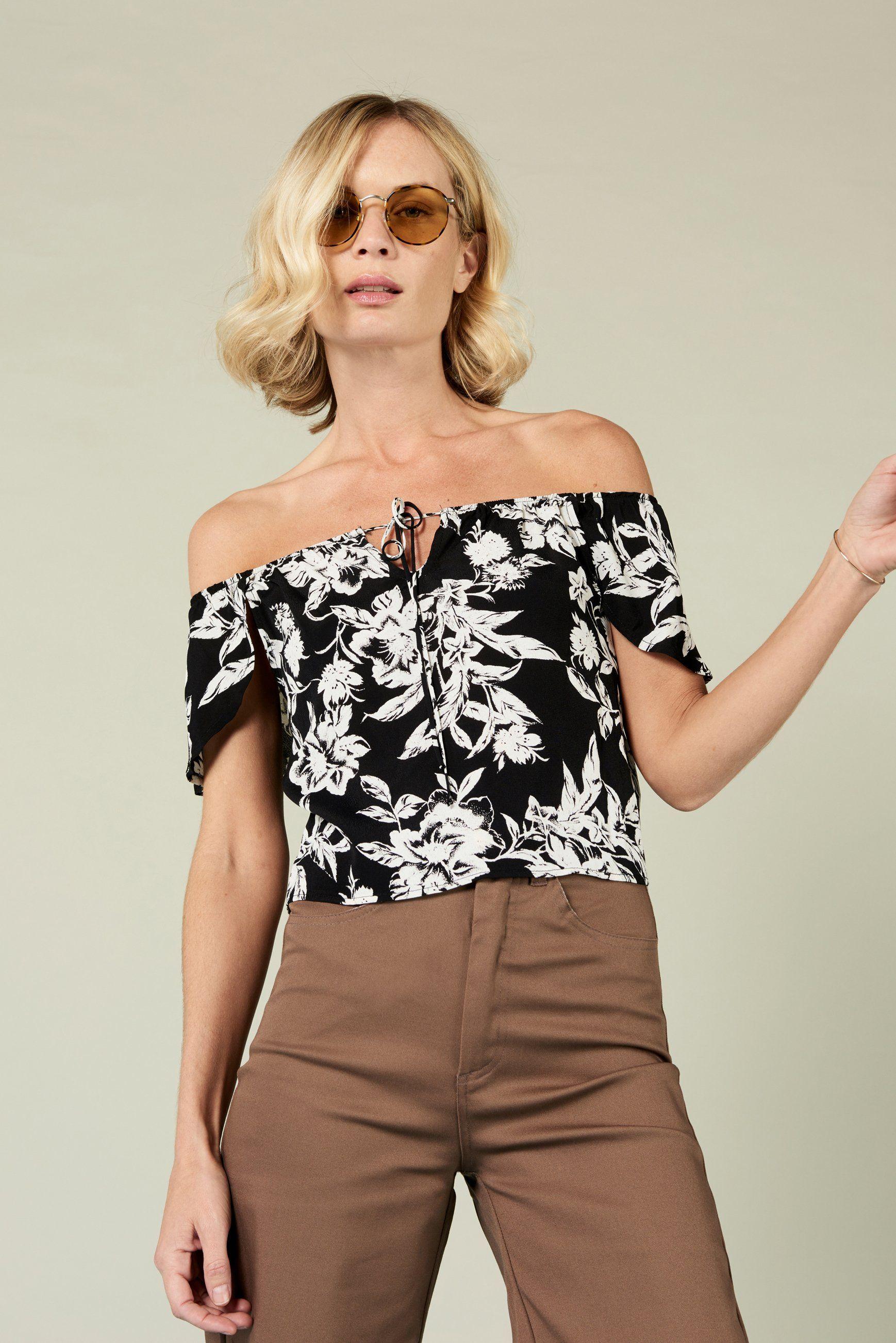 9f58aa99f5ac97 Jeanne Off Shoulder Crop in Black Floral - XS in 2018