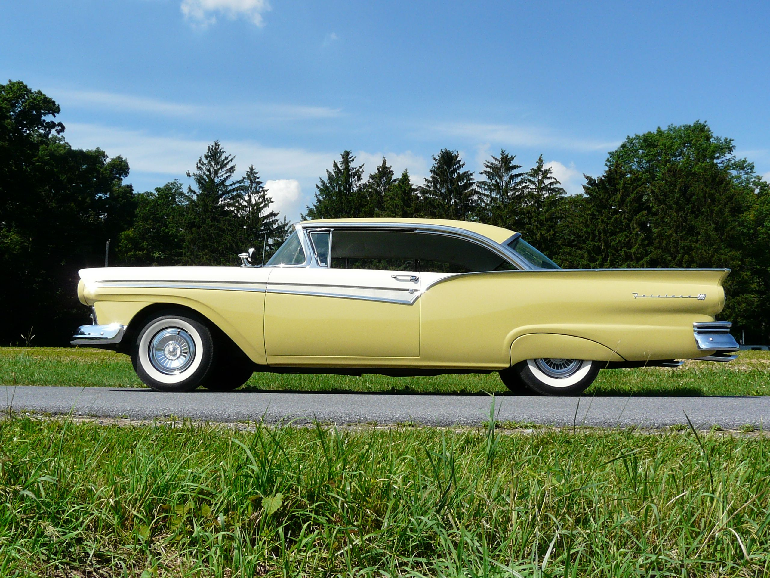 1957 ford fairlane 500 two door hard top my dad had one just like this
