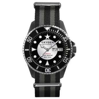Reloj 44mm. esfera negra y blanca, Caja de acero, correa de nylon a rayas grises y negras, Calendario. Reloj sumergible 100m. http://www.tutunca.es/reloj-oxygen-diver-44-moby-dick