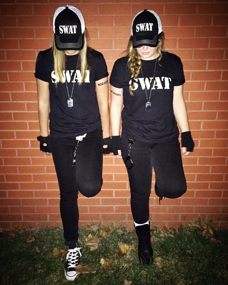 halloween swat team swatteam costume costumes cops college police handcuffs dogtag specialweaponsandtactics black hat hats gloves boots