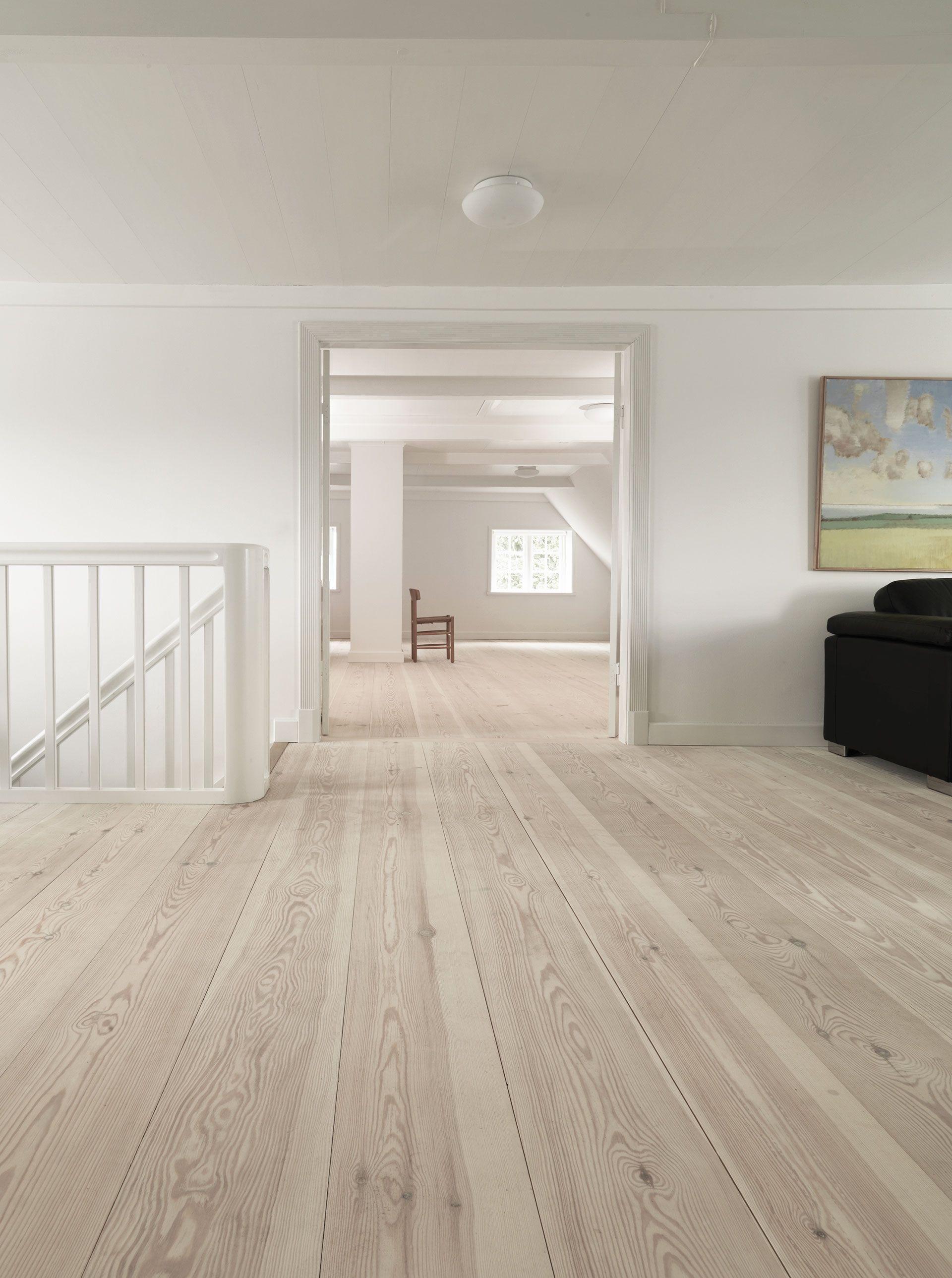 Pin By Larissa Doronina On Bathroom Materials Solid Wood Flooring Flooring Ash Flooring