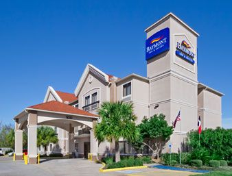 Baymont Inn And Suites Clute Texas Free Wi Fi A Complimentary Hot Breakfast Are Featured At This Hotel Surfside Beach Is Only 15 Minutes