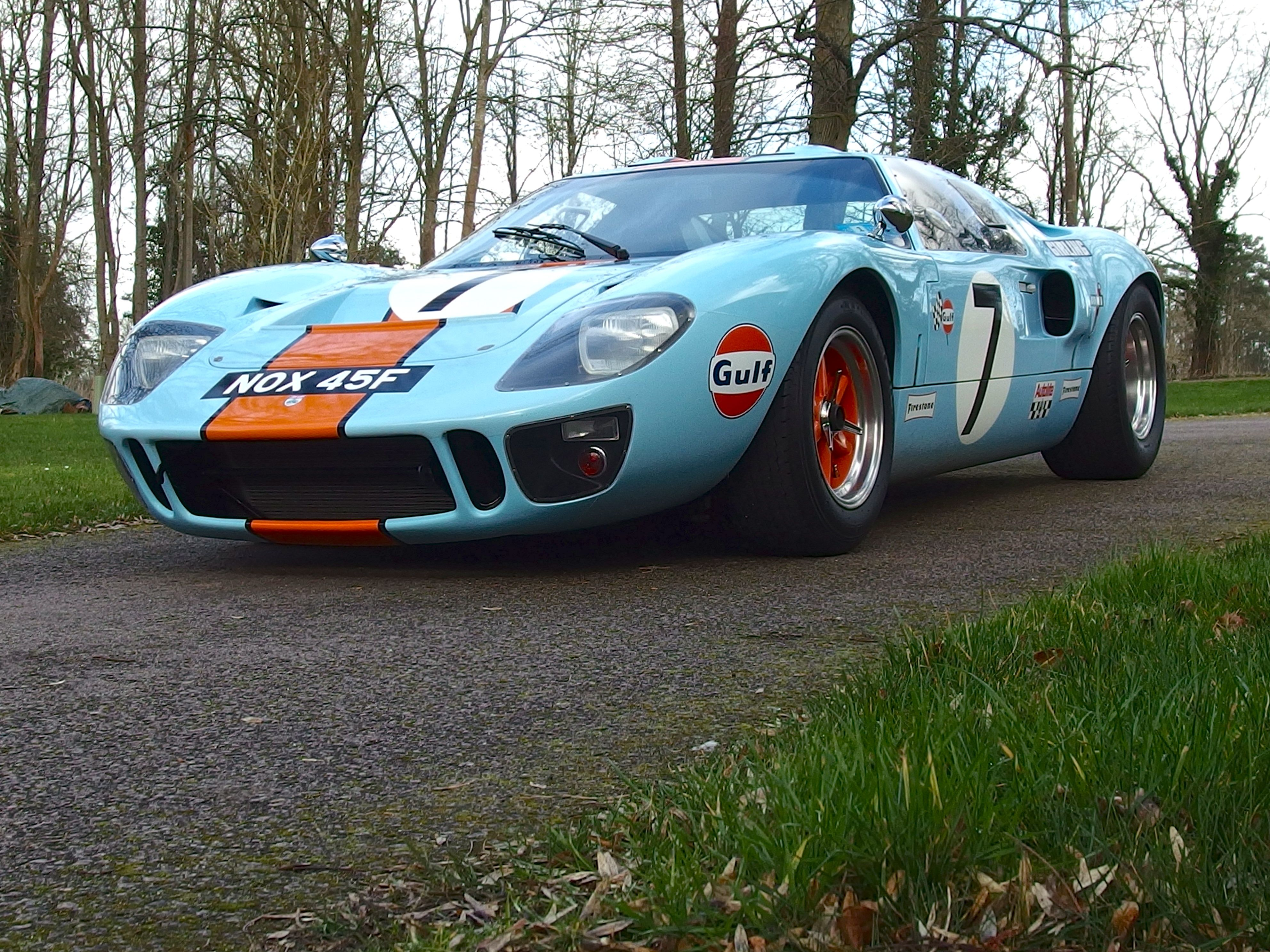 Gt40 The Champion Ford Racing Ford Gt Old Race Cars