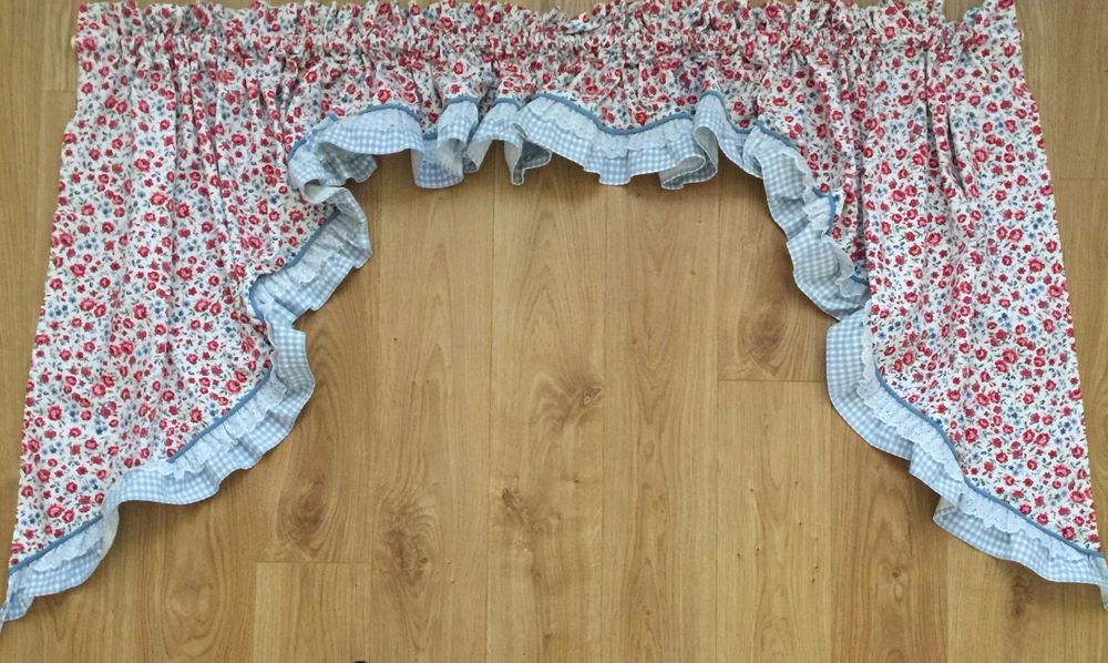 Attractive WAVERLY GARDEN ROOM *VALANCE U0026 SWAGS* FLORAL, Gingham U0026 Lace~Red, White,  Blue #WAVERLYGARDENROOM