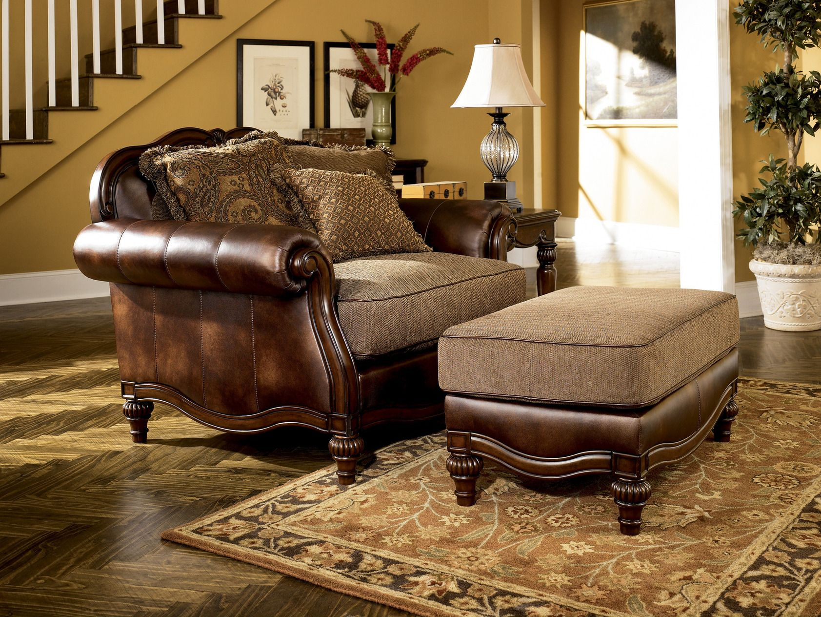 Brown European Traditional Faux Leather Fabric Sofa Set Couch Wood