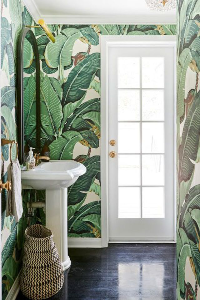 salle de bains des rev tements muraux tendance jungle papier peint et esprit. Black Bedroom Furniture Sets. Home Design Ideas
