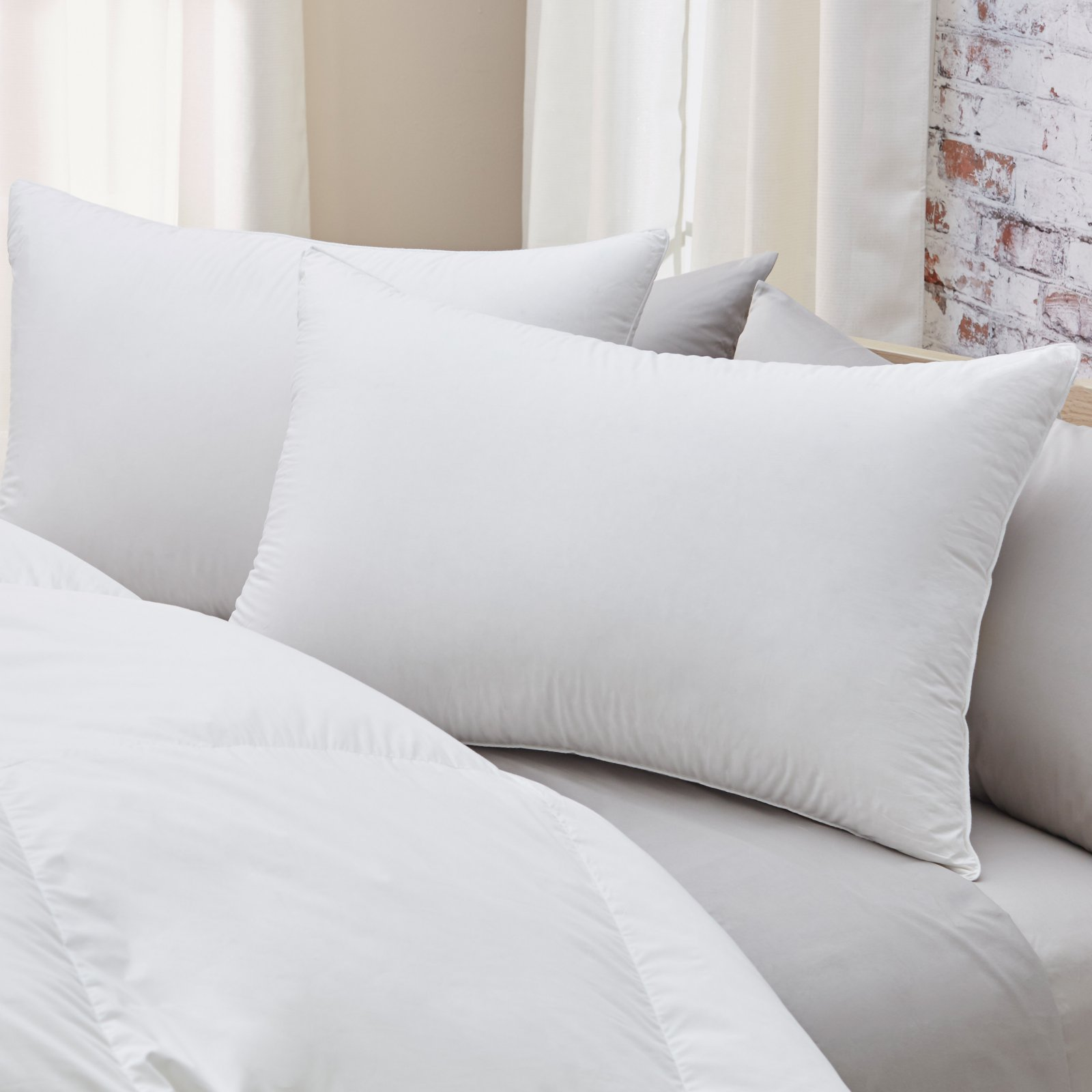 Luxury Affordable Bedroom Pillows