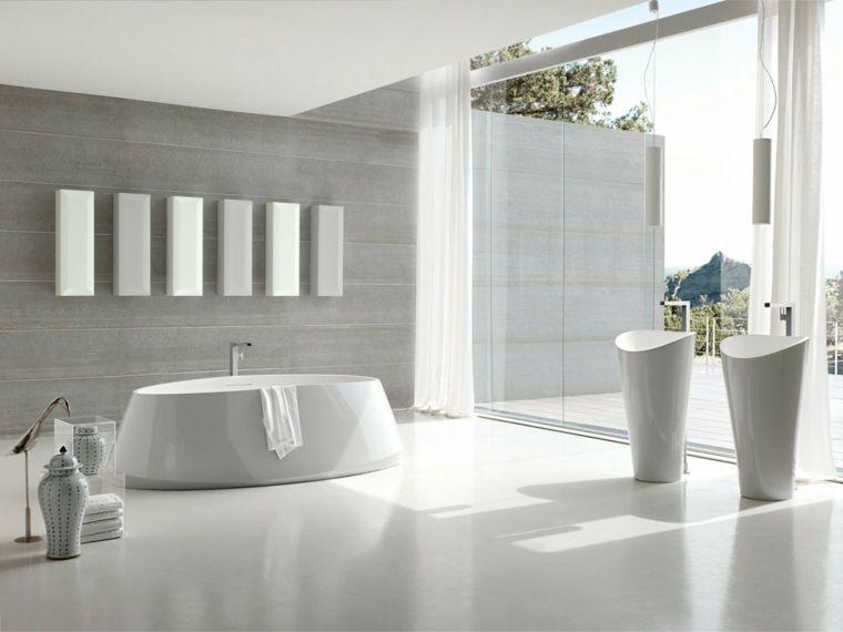 Idee rivestimento bagno vasca forma arrotondata parete colore
