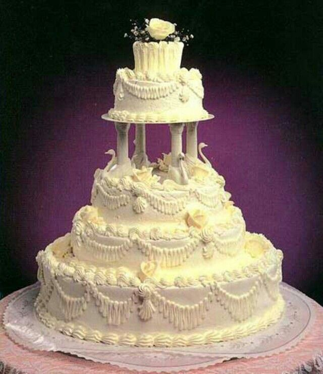 This is one amazing Wedding Cake. The detail is awesome! | Wedding ...