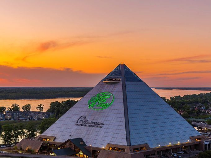 Memphis Pyramid Brings Bass Pro Shops New Lodging To