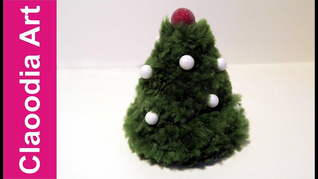 Árbol de navidad con pompones