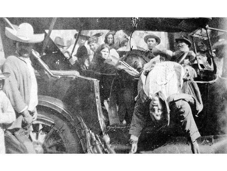 Resultado de imagen para Fotos del asesinado del general Pancho Villa.