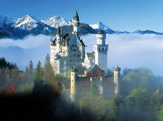 Famous Castles Of The World One Of The Top 10 Coolest