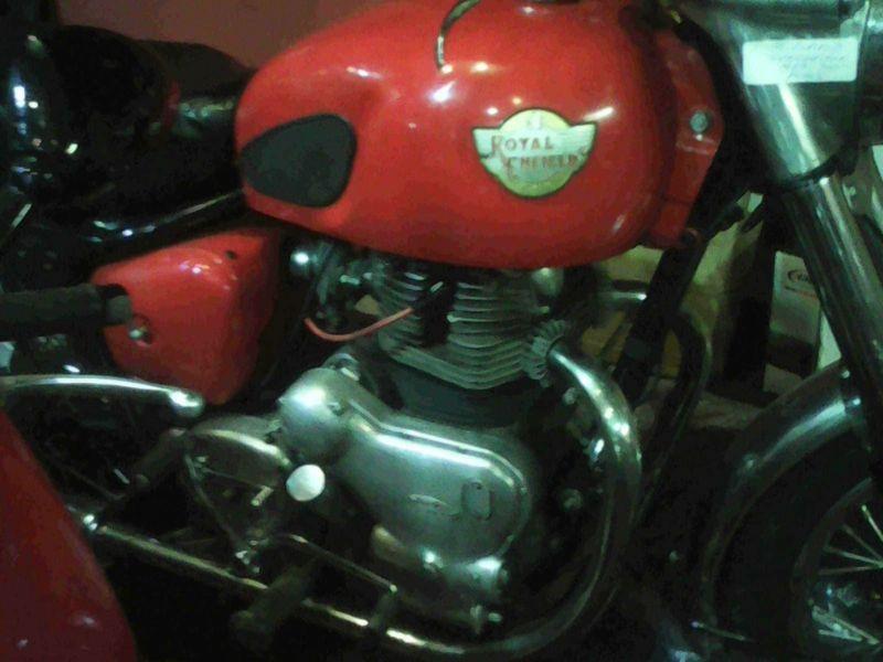 ROYAL ENFIELD SUPER METEOR 700 | Custom Motorcycles For Sale In