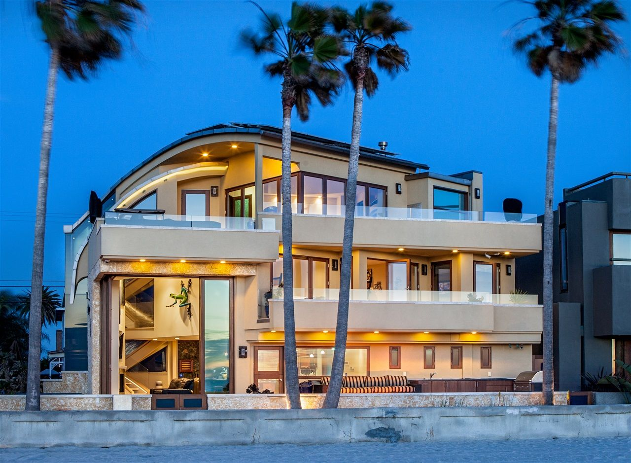 Luxury on the Mission Beach Ocean Front in San Diego! www