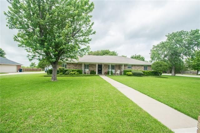 3321 Darby Ln, Denton, TX 76207 - Home For Sale and Real Estate Listing - realtor.com®