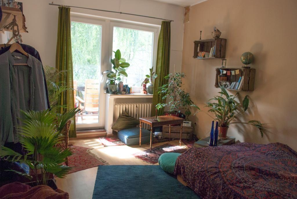 ein sch nes wg zimmer mit diy m beln wg zimmer einrichtung diy ideen f rs wg zimmer wg. Black Bedroom Furniture Sets. Home Design Ideas