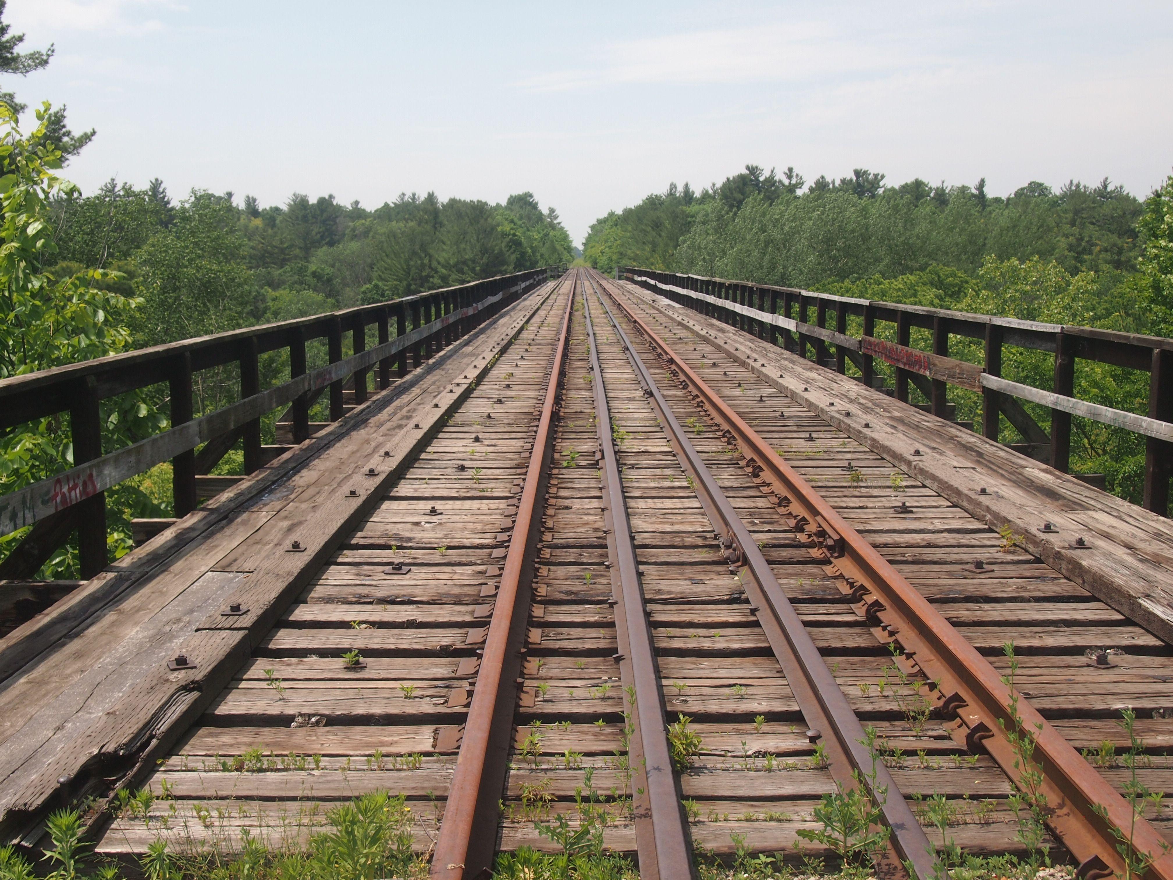 Old train bridge in delhi ontario this line is no longer