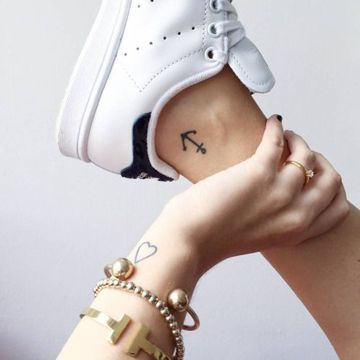 Tradicionales Tatuajes De Ancla Para Mujeres Tatuajes Para Mujeres