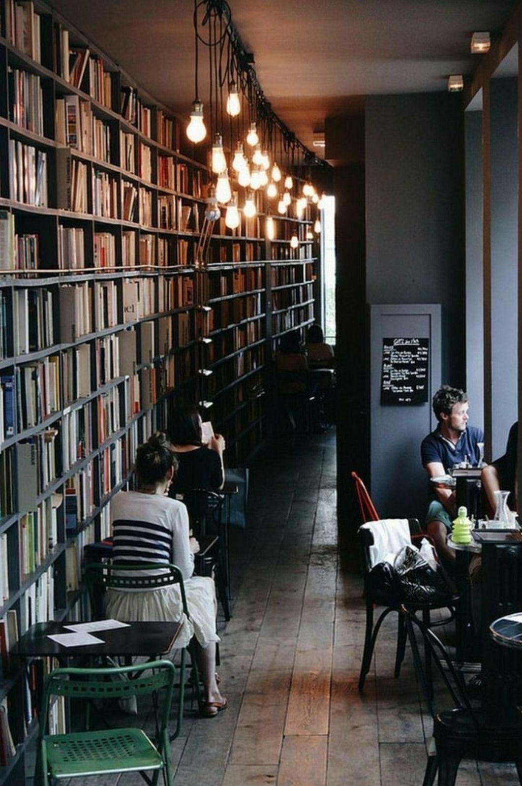 Otro De Los Espacios Que Debe Tener Sombra Cafe Sera Algo Asi Un Sitio Agradable Y Bonito Donde Poder T Cozy Coffee Shop Coffee Shops Interior Bookstore Cafe