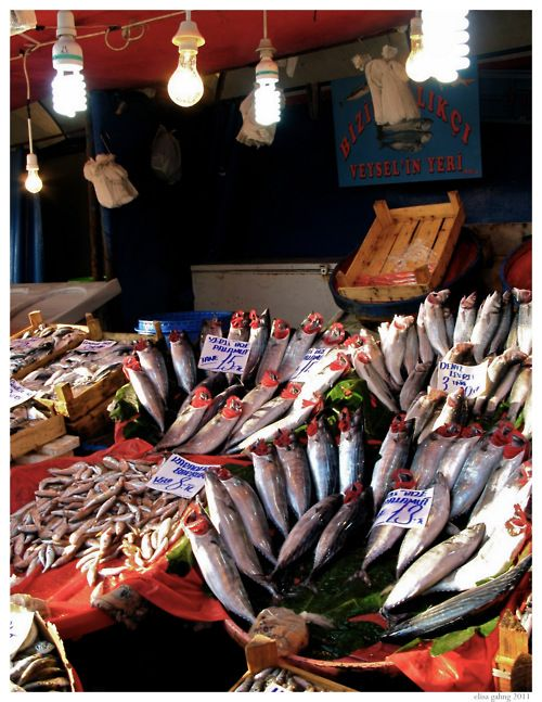 A Fish Market In Istanbul Beautiful Colors From La Ferveur Me Suffit Com Istanbul