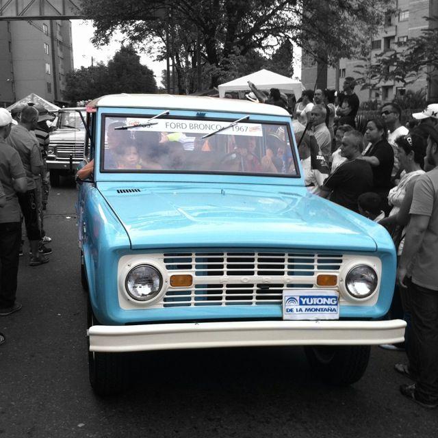 Medellín Clasic Cars Parade 26
