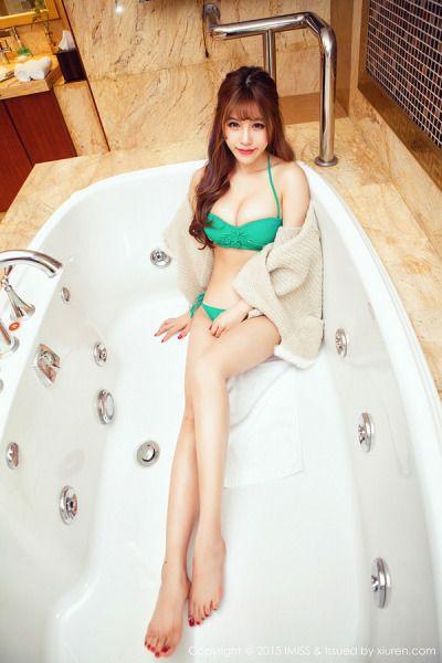 Blaqck girl shower nudes