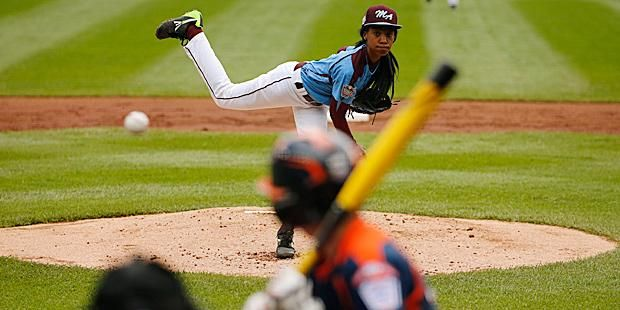 From Little League Phenom To National Star The Story Of Mo Ne Davis Throw Like A Girl Little League Girls Be Like
