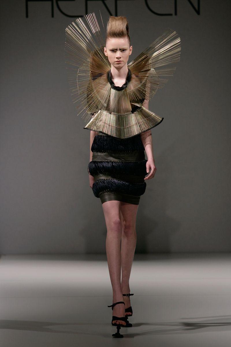 Iris Van Herpen (Chemical Crows) | Iris van herpen, Couture, Model