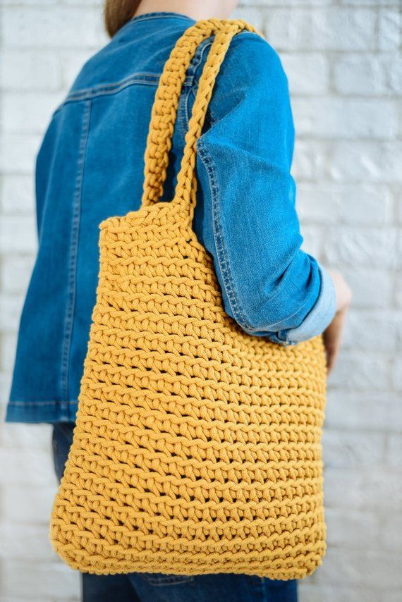 Crochet tote bag Yellow shoulder market bag Crochet shopperel Hilo es generalmente p hilado  Crochet tote bag Yellow shoulder market bag Crochet shopper el Hilo es genera...