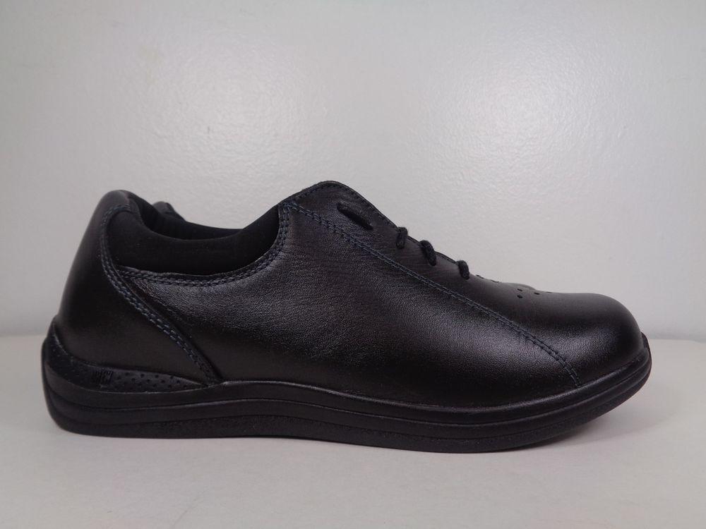 Womens Drew walking shoes size 7 1/2 M