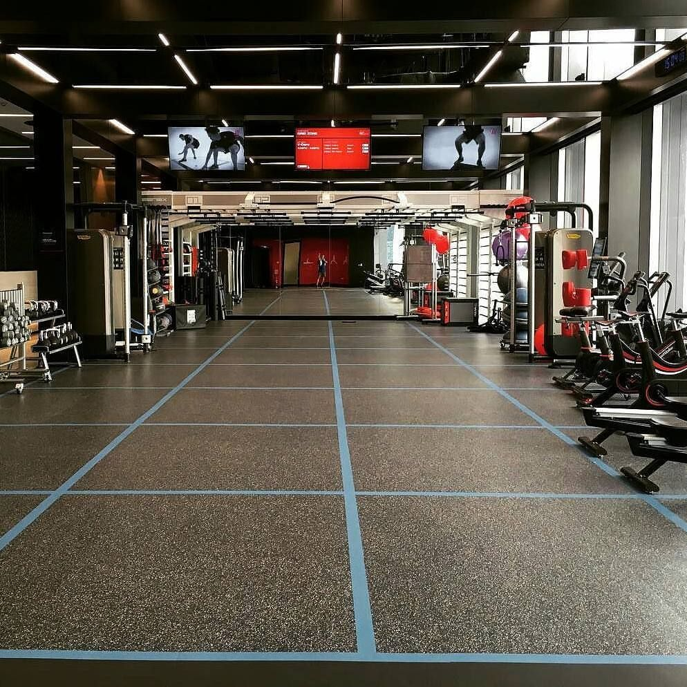 Neoflex High Performance Fitness Flooring For The Active Grid At The Recently Opened 5000sqm Virgin Active Siam D Gym Design Interior Gym Interior Gym Flooring