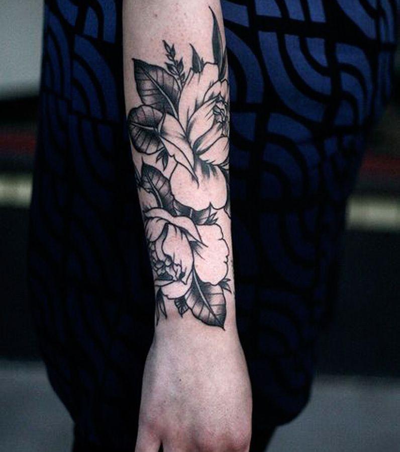 Photo tatouage rose avant bras forearm tattoo - Tattoo avant bras ...