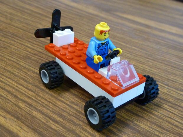 How To Make A Sweet Lego Propeller Car