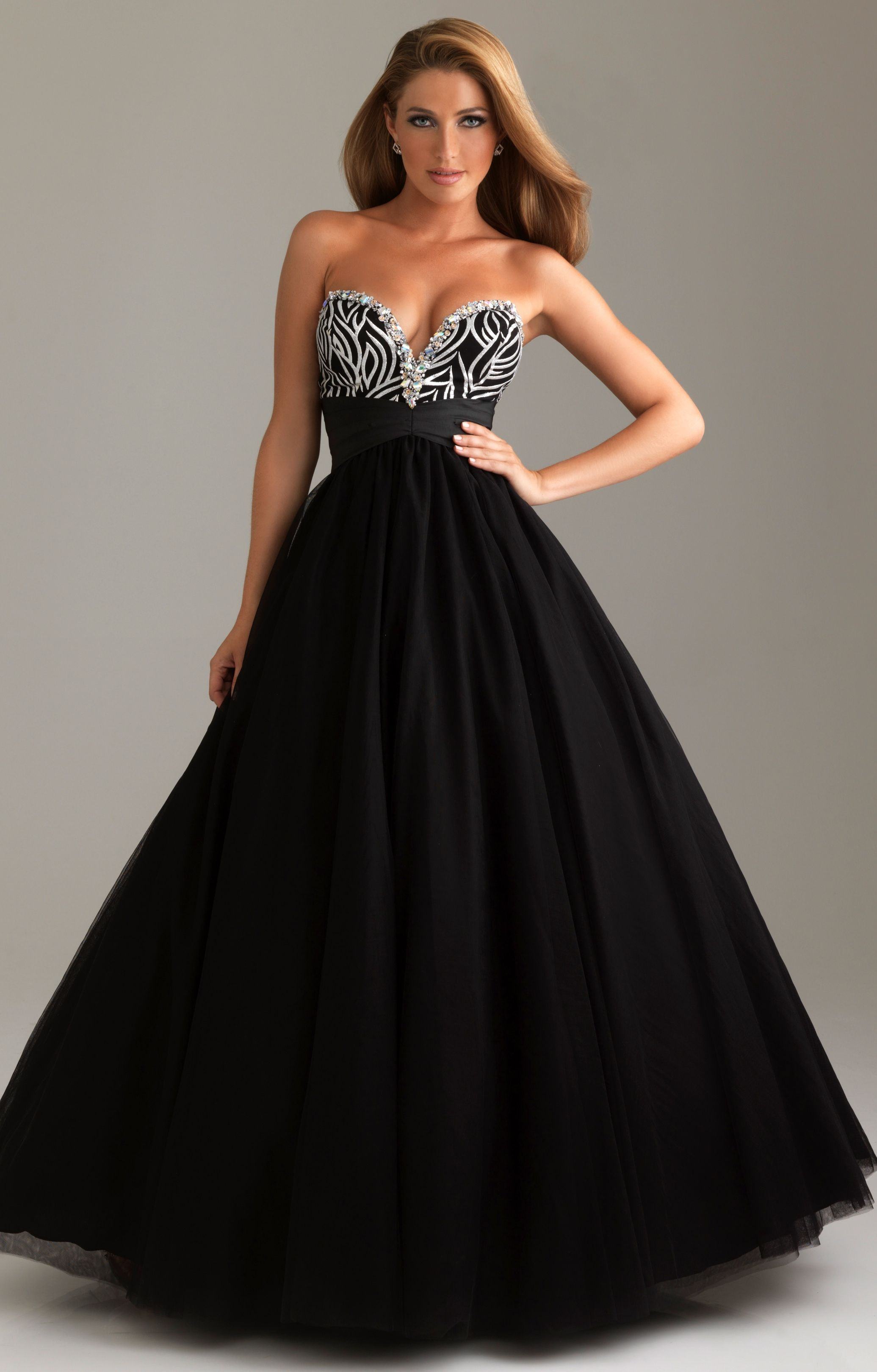 black ball gown | If I had the body... | Pinterest | Ball gowns ...
