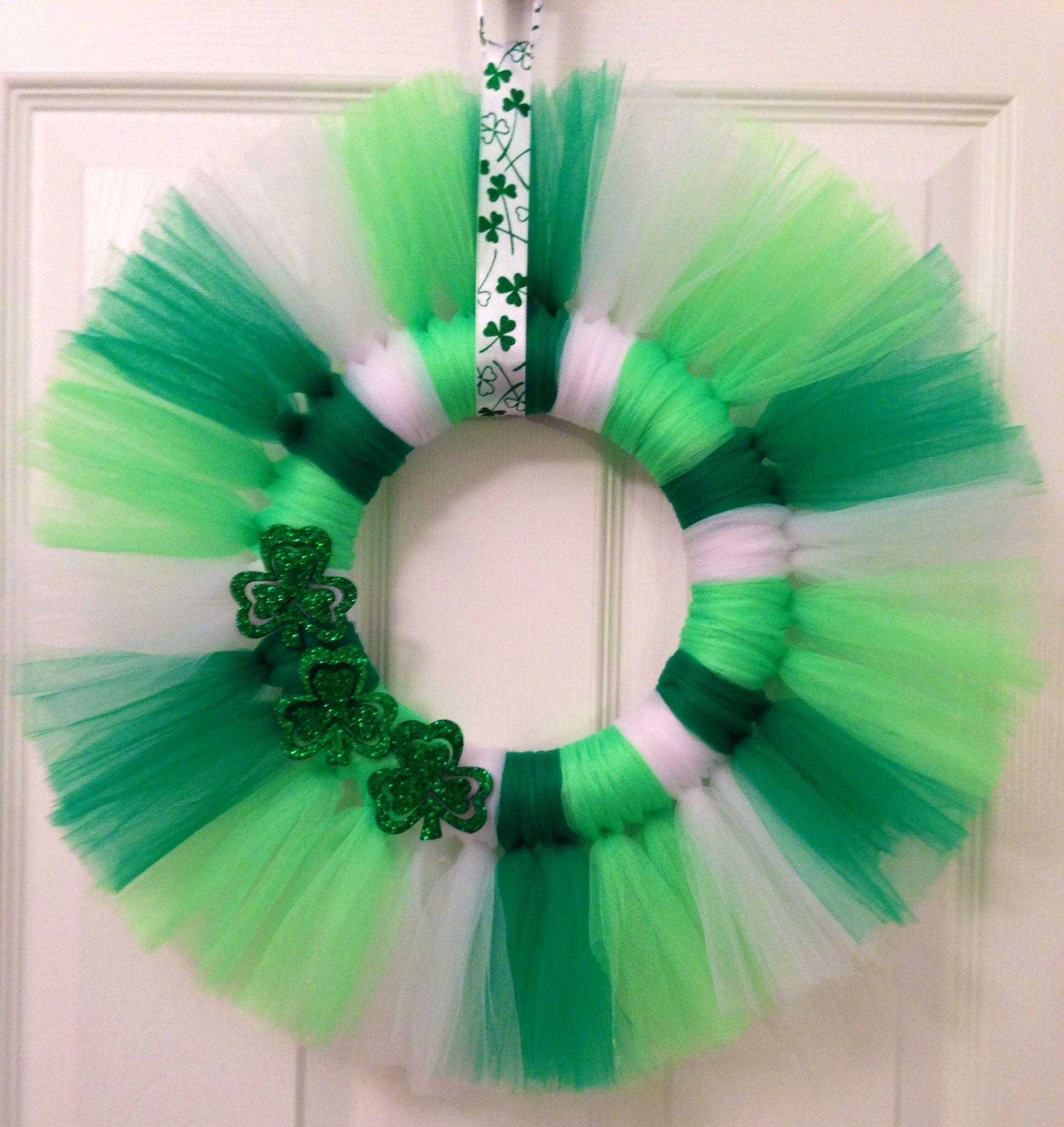 st patricks day tulle wreath with shamrocks thanks hobby lobby