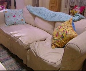 uncomfortable couch old time gilmore girls the most uncomfortable couch in world world