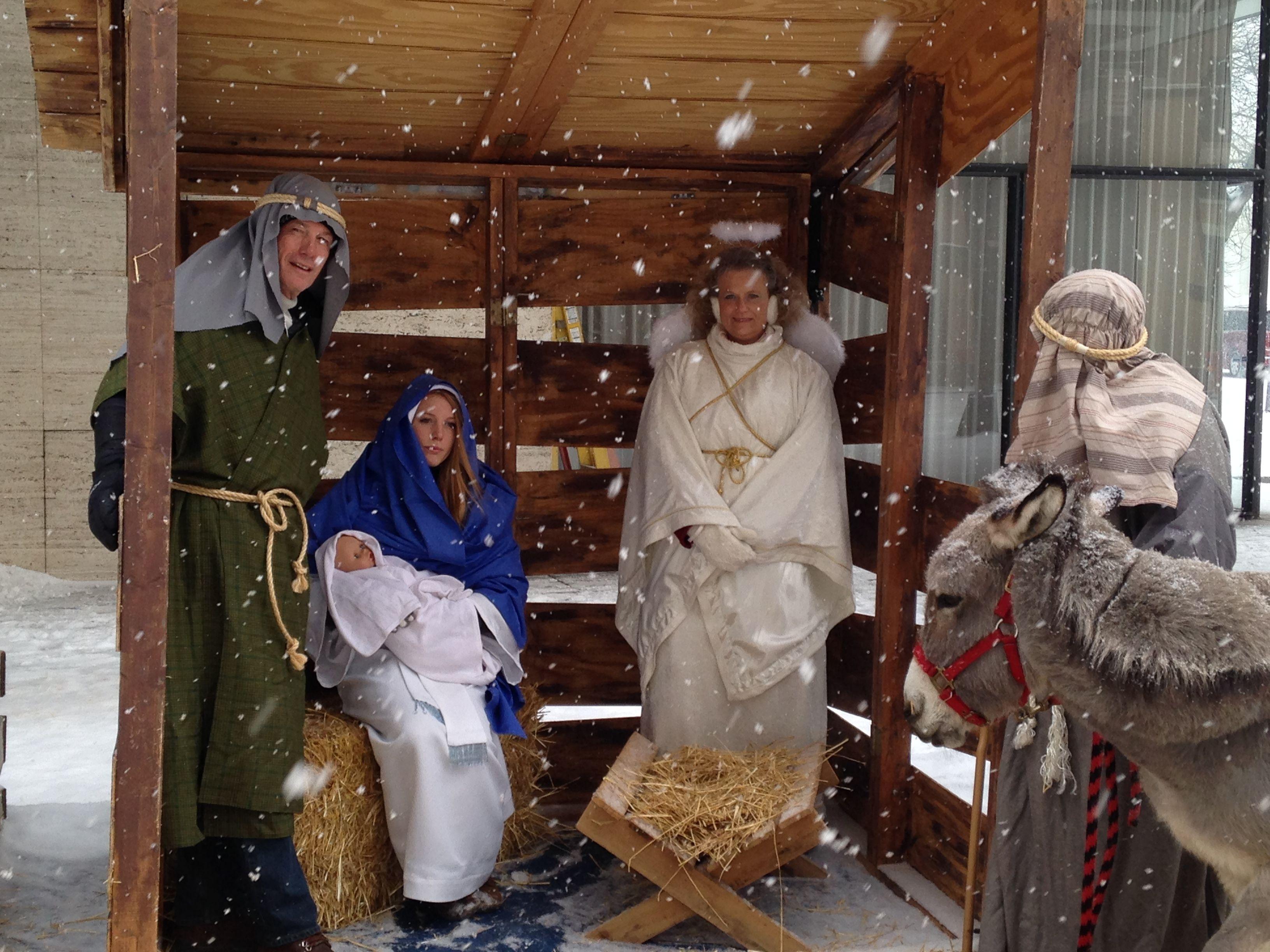 No Room at the Inn 2013 - Live Nativity!