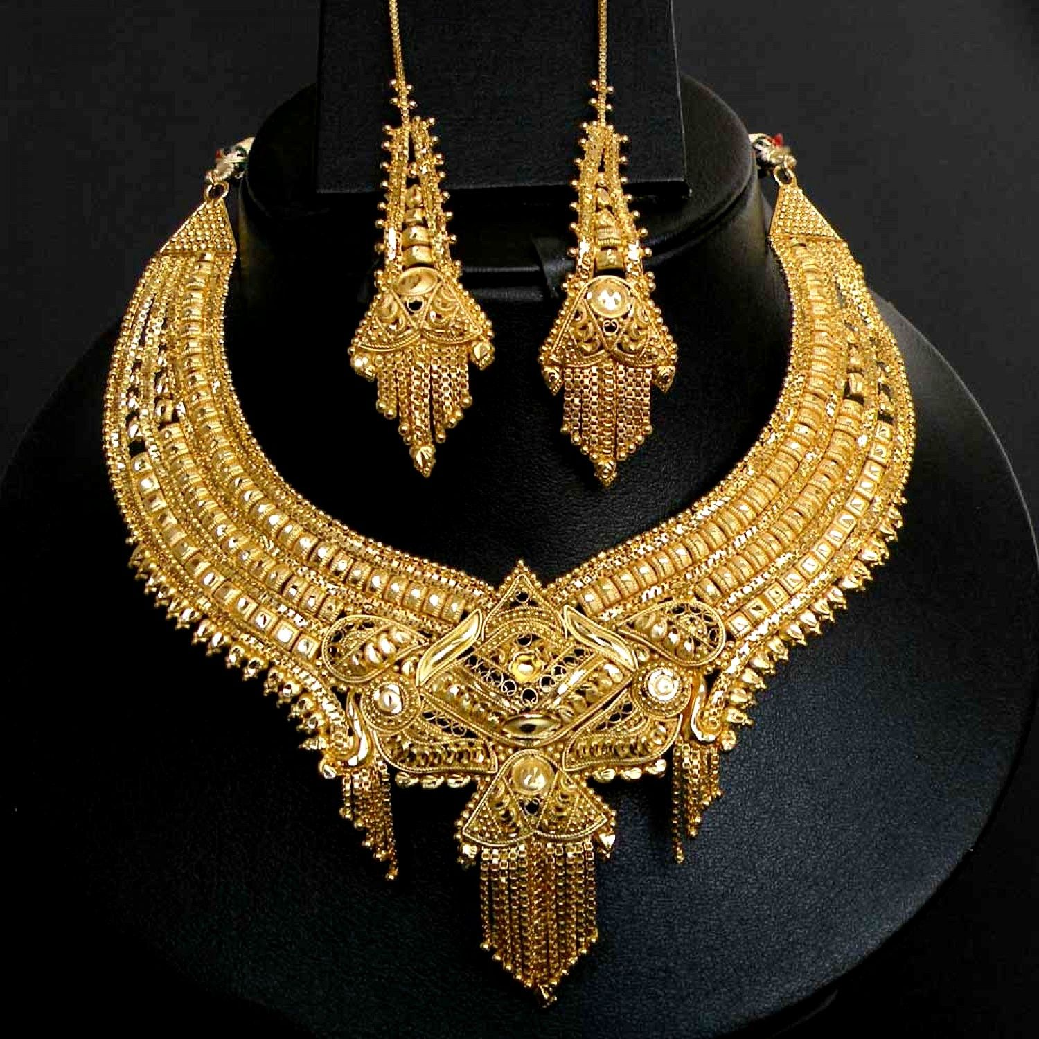 Tanishq gold necklace set Bridal Jewelry Pinterest