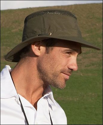 Tilley S T4mo Hat Is Made Of Organic Cotton And Cools You Down On Hot Days Tilley Hat Hats Green Life