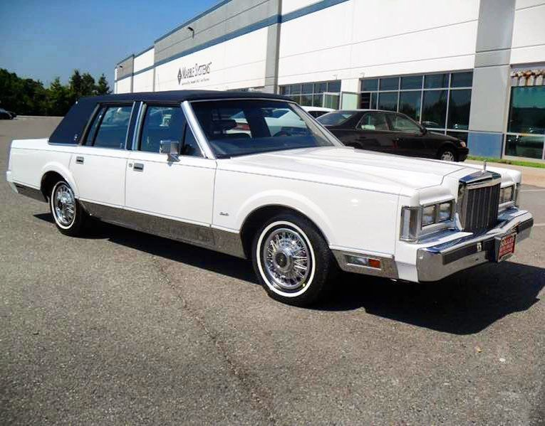 Lincolnmotorcar Showcase Badwf On Instagram 1985 Lincoln Town Car Signature Series Lincoln Towncar Lincolntowncar Si Lincoln Town Car Lincoln Cars Car