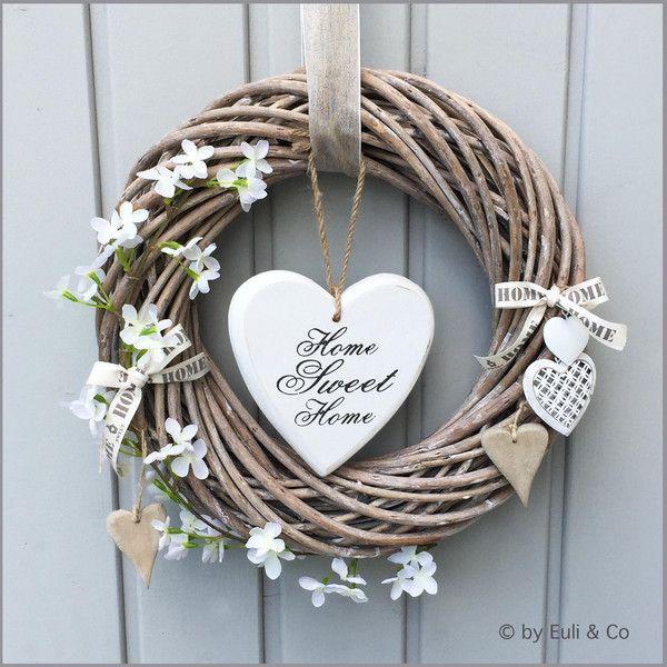 Photo of Hydrangea door wreath from EuliundCo via dawanda.com