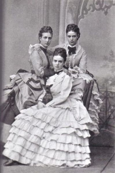 alexandra of denmark queen consort of england with her sisters dagmar and thyra 1850 1874. Black Bedroom Furniture Sets. Home Design Ideas