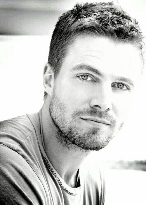thud* goes my heart | Stephen Amell ❤ A Classic in Black