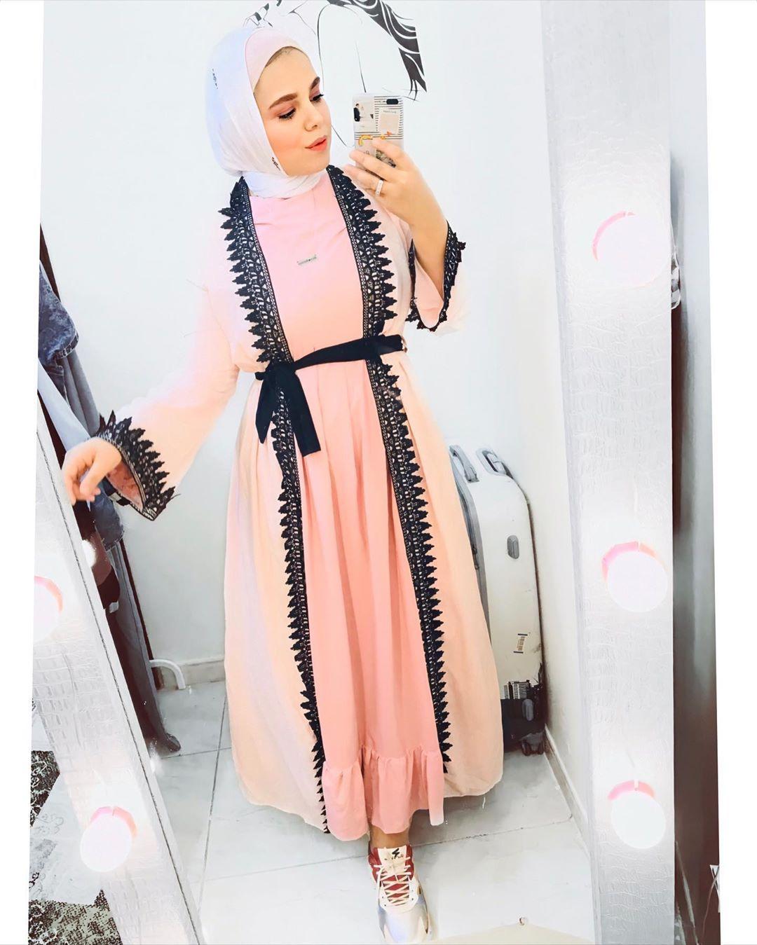 Nouran Elnady نوران النادي Shared A Post On Instagram Good Night قررت اجمع بين العباية والدريس وقد كان هنزلكو الديتيل Wrap Dress Fashion Dresses