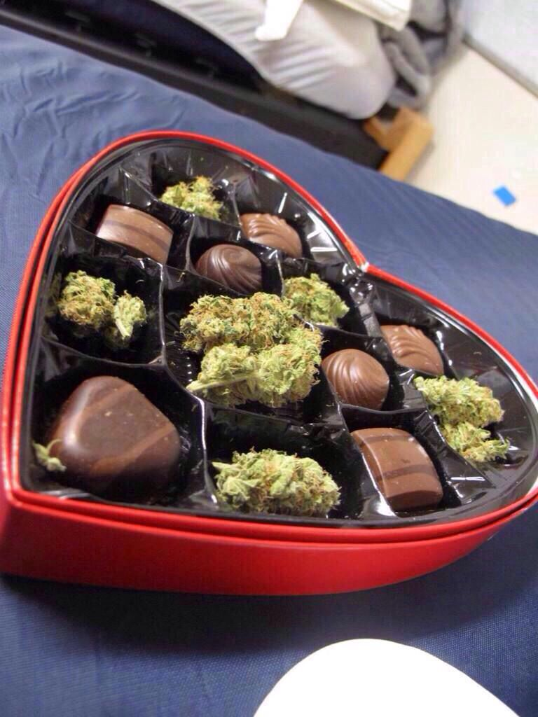Chocolate box with chocolate and weed | like | Pinterest ...
